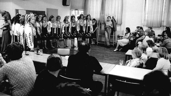 Russisches Ensemble im Speisesaal