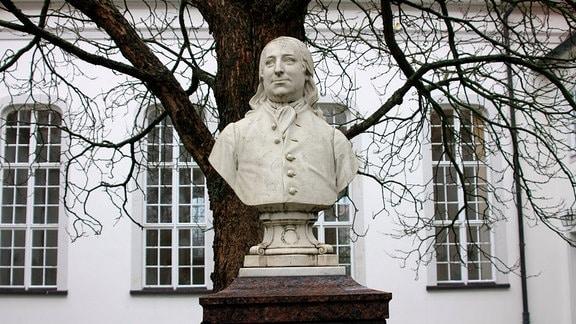 Graf Nikolaus Ludwig von Zinzendorf, der mährischen Glaubensflüchtlingen 1721 Zuflucht gewährte. Die Flüchtlinge haben Herrnhut auf Zinzendorfs Grund und Boden gegründet.