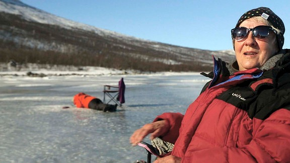 Kerstin Johansson liebt das Eisangeln. Nicht wegen der Fische, sondern wegen der meditativen Ruhe.