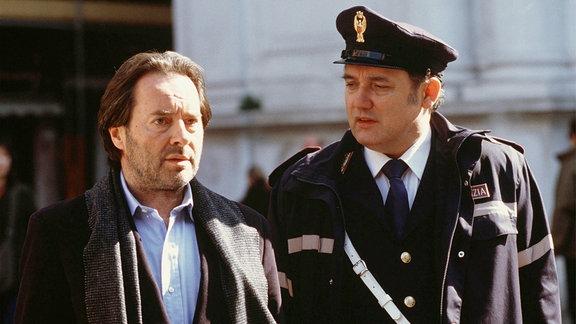 Commissario Brunetti (Uwe Kockisch, li.) und sein Assistent Sergente Vianello (Karl Fischer)