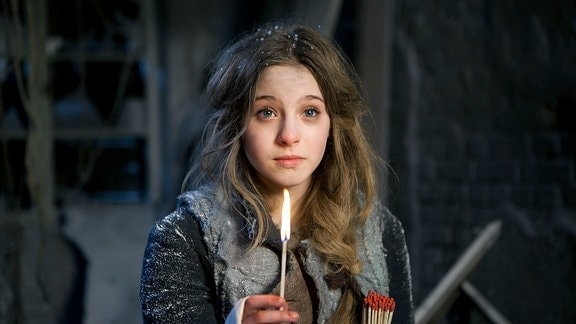 Inga (Lea Müller) sieht etwas Wunderbares.