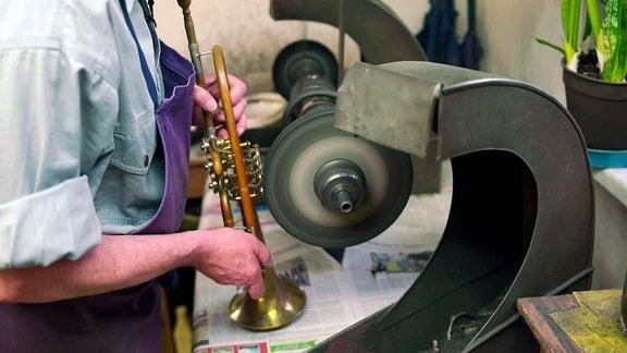 Die Instrumente werden für Weihnachten auf Vordermann gebracht