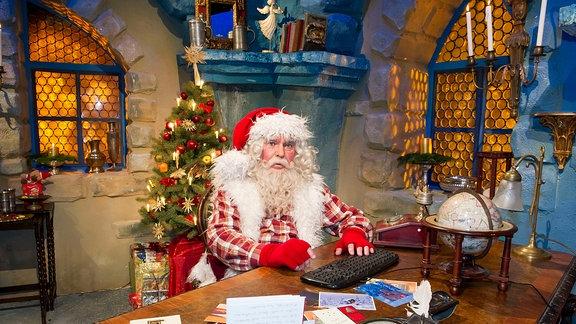 Frank Schöbel als Weihnachtsmann.