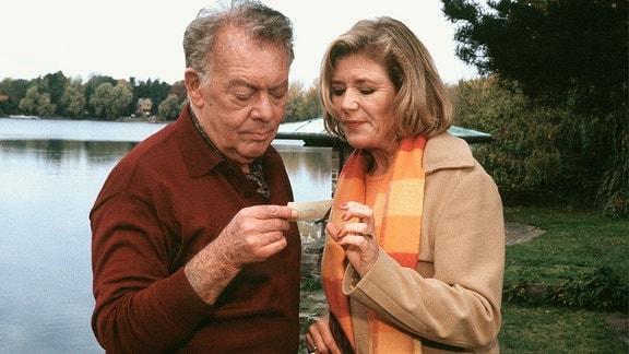 Frank Haller (Klausjürgen Wussow), Regina Köhler (Jutta Speidel).