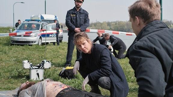 Ein neuer Fall für die Wiener Polizei: Kommissarin Laura Janda untersucht die Leiche eines Unbekannten