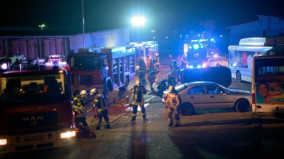 Simulierter Verkehrsunfall - Nachtübung