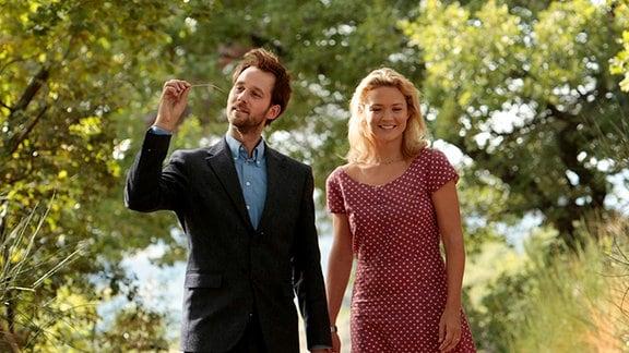 Pierre (Benjamin Lavernhe) und Louise (Virginie Efira) erleben eine platonische Romanze.