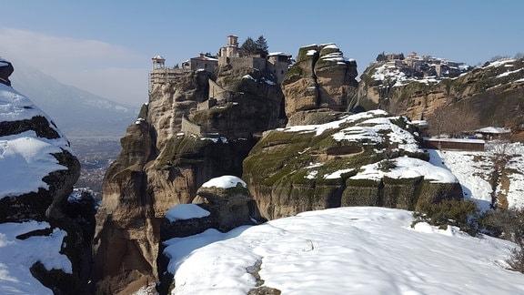Die Meteora Klöster liegen östlich des Pindus-Gebirges und sind seit vielen Jahren UNESCO-Weltkulturerbe.