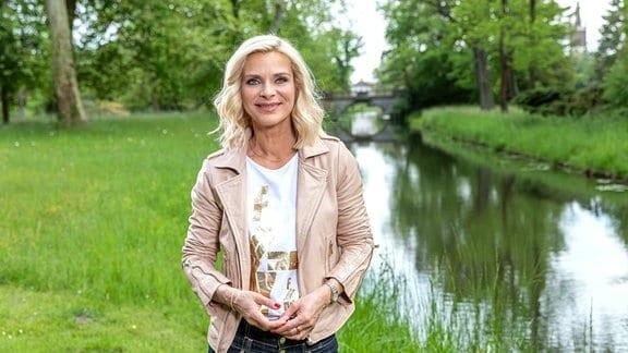 Die Reise führt ins märchenhafte Gartenreich Dessau-Wörlitz, zum Rokoko-Ensemble von Schloss Mosigkau und an viele andere bezaubernde Orte in Mitteldeutschland. - Uta Bresan.