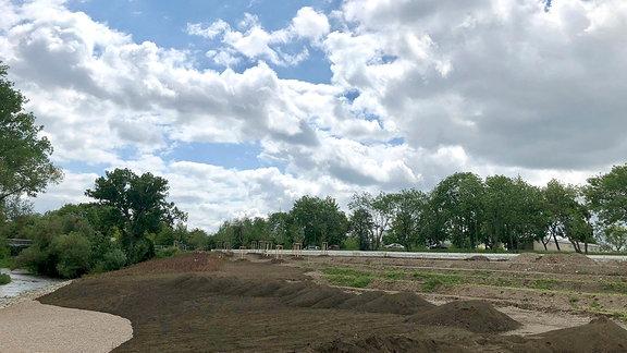 Der Erfurter Norden ist kein eintrittspflichtiges BUGA-Gelände. Aber mit dem Großprojekt entsteht zum Beispiel ein durchgängiger Park, inklusive Radweg, entlang des Flusses Gera.