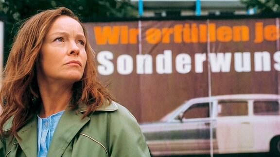 Mutter Kerner (Katrin Saß) wird mit der Wirklichkeit konfrontiert.