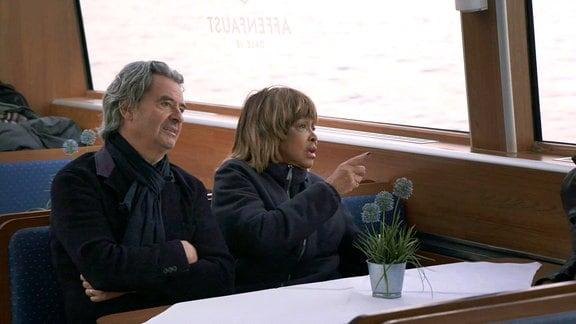 Tina Turner und Ehemann Erwin bei einer Hamburger Hafenrundfahrt.