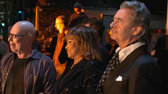 Tina Turner und Ehemann Erwin (rechts) bei der Premiere zum Tina Turner Musical Hamburg.