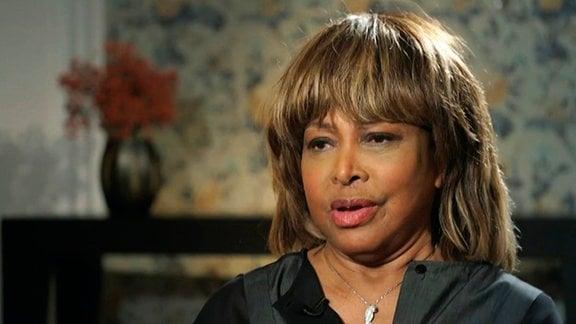 Tina Turner am Set während den Dreharbeiten.