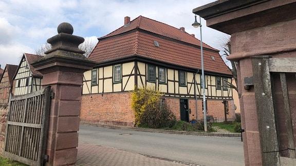 Bendeleben im Kyffhäuserkreis ist als Barockdorf bekannt – viele Gebäude aus dieser Zeit sind noch erhalten.