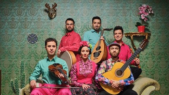 """""""Casa"""" heisst das Debütalbum der argentinisch-syrisch-sächsischen Band Amalaya"""