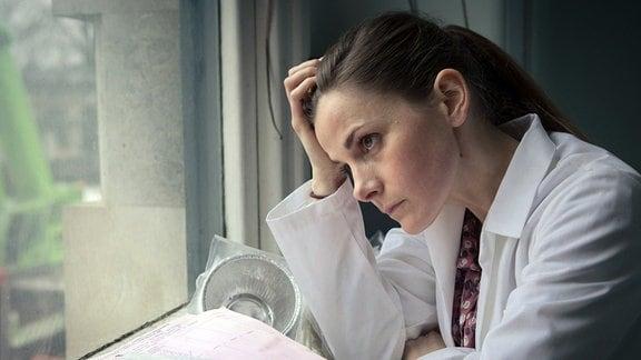 Die Gerichtsmedizinerin Molly Hooper (Louise Brealey) steht vor einem Rätsel.