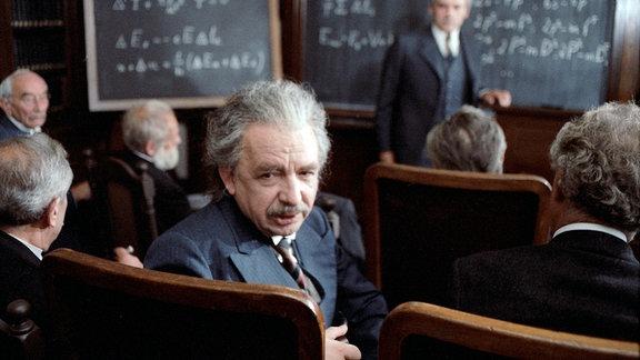 Talivaldis Abolins (Albert Einstein)