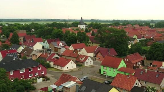 Blick von oben auf Andisleben in Thüringen