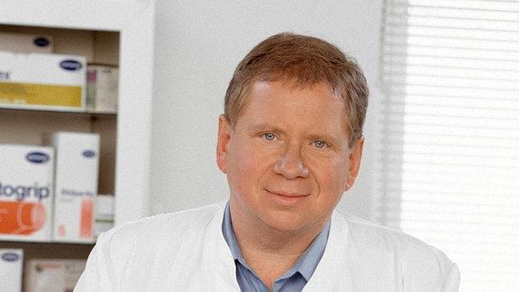 Rainer Hunold als Dr. Peter Sommerfeld