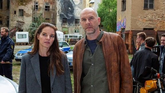 Viola (Yvonne Catterfeld) und Butsch (Götz Schubert) ermitteln im Jugendzentrum in der alten Hefe-Fabrik.