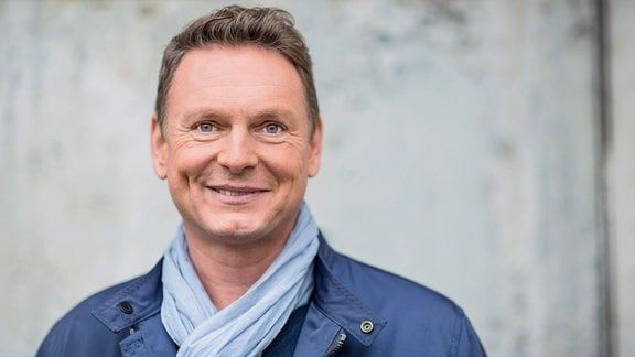 Moderator Axel Bulthaupt.