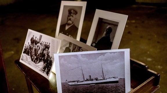 Dieser Film erzählt die Geschichte der ersten deutschen Tiefsee-Expedition, zeigt  dabei viele Fotografien und beeindruckende Original-Präparate.