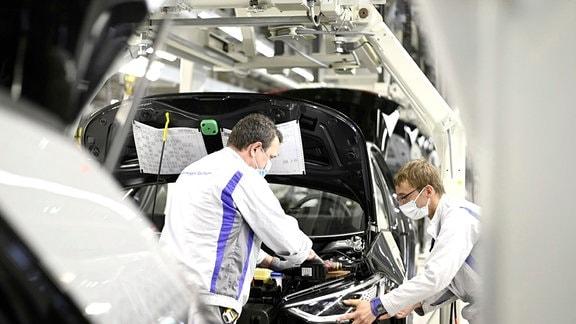 VW Sachsen Vorreiter bei E-Mobilität - in Zwickau läuft kein Verbrenner mehr vom Band.