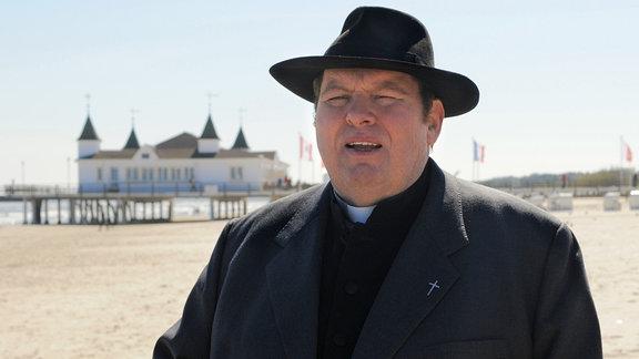 Pfarrer Braun.