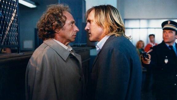 Der arbeitslose François Pignon (Pierre Richard, l.) nimmt bei einem Banküberfall den Ex-Bankräuber Lucas (Gérard Depardieu) als Geisel.