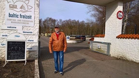 Peter Camps leitete in den 70er-Jahren den Zeltplatz in Markgrafenheide. In den Sommermonaten musste er bis zu 4.000 Camper betreuen.