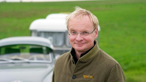 """Uwe Steimle mit seinem """"Wartburg 311""""."""
