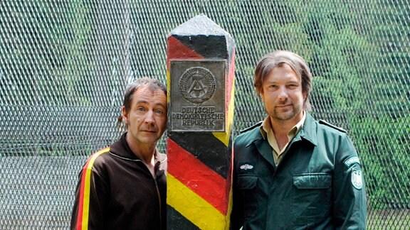 Von links: Ralle Pietzsch (Thorsten Merten) und Hubsi Weißpfennig (Stephan Zinner).
