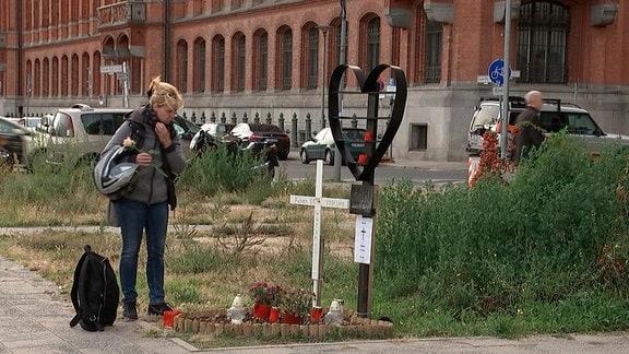Britta und Christian M. verloren im Januar 2018 ihre Tochter Fabien. Ein Polizeiwagen mit Blaulicht und überhöhter Geschwindigkeit rammte den Kleinwagen der 21-Jährigen.