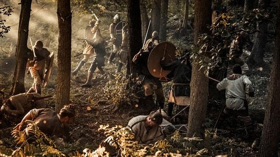 Die Slawen zwischen Elbe und Oder haben über Jahrhunderte ihre Unabhängigkeit und ihre heidnische Religion erfolgreich verteidigt. Sogar gegen das übermächtige Frankenreich konnten sie sich lange Zeit behaupten.