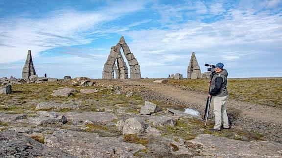 Der Artic Henge  bei Raufarnhöfn im Norden Islands