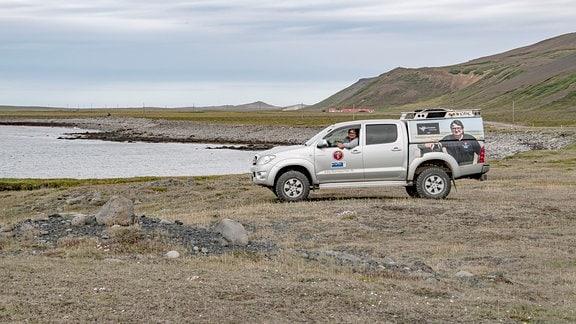 Der Filmemacher Thomas Junker unterwegs mit seinem Expeditionsauto