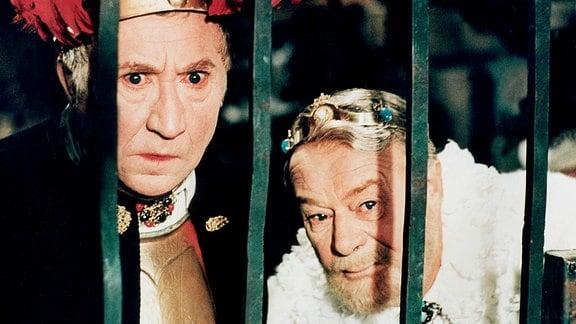 König Heinrich und König Leberecht kommen überein, dass ihre Kinder Hochzeit halten, um beide Königreiche zu vereinen.