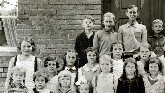 Schulklasse von Dora und Theo Labe