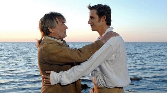 Vater (Dietmar Mues) vergibt seinem Sohn (Max von Thun).