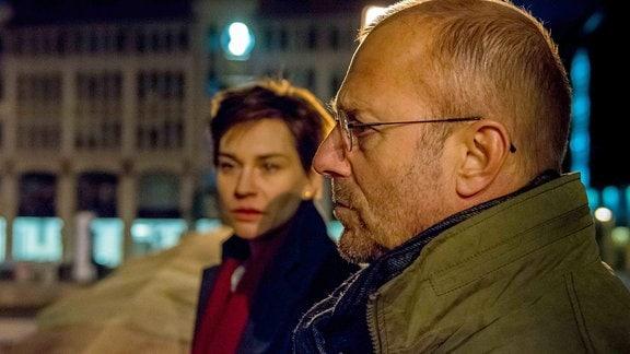 Auf der Suche nach der Wahrheit stößt Elke (Christiane Paul) auf Zusammenhänge in den Verfassungsbehörden, die auch der BKA-Beamte Heinrich Buch (Heino Ferch) nicht einfach hinnehmen will.