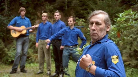 """Kürsche (Heiko Kürschner, vorn) und die Jungs der """"Zwietzschboys"""" bei den Proben zur Rockoper."""