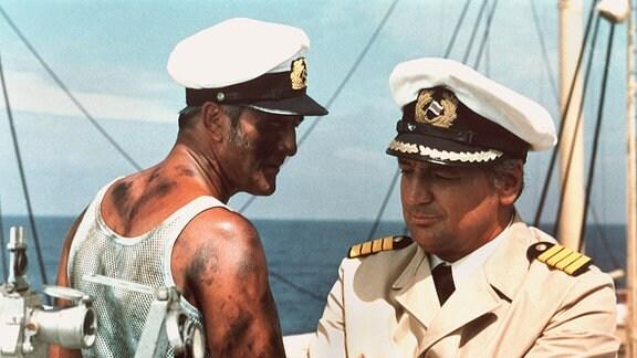 Chief Paul Weyer (Günter Naumann) und Kapitän Karsten (Horst Drinda).