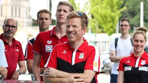 Trainer Bernd Berkhahn und Schwimmer Florian Wellbrock (SC Magdeburg)