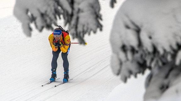 Erik Lesser in der Mixed-Staffel beim Biathlon-Weltcup in Oberhof