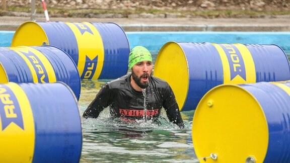 Hindernisschwimmen