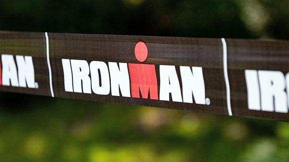 Absperrband - Triathlon Ironman