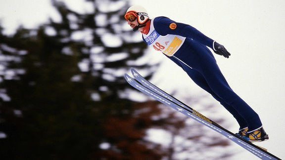 Manfred Deckert 1985 beim Skisprung
