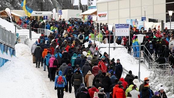 Zuschauer beim Weltcup in Oberhof