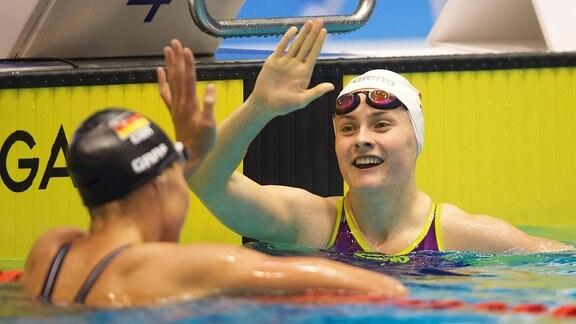 Schwimmerin Laura Riedemann im Becken.